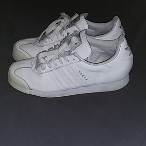 Adidas Samoa size 10 Women's White Sneakers